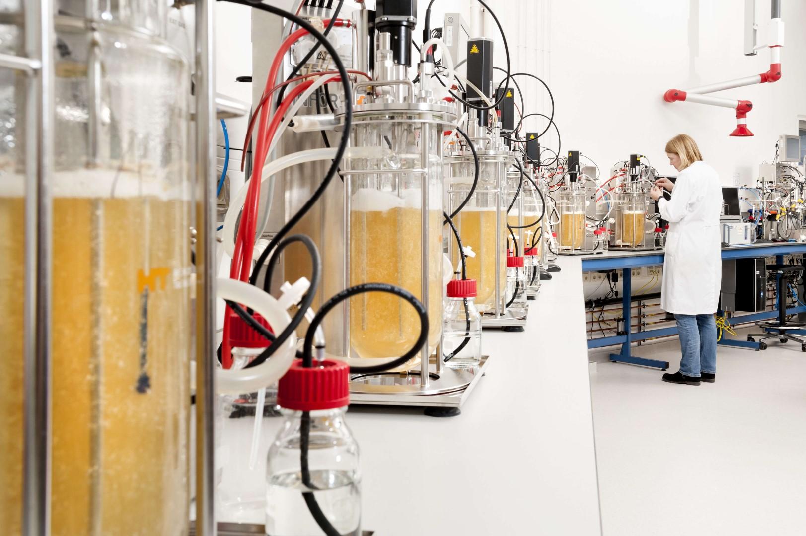 fermentorhal bio base europe pilot plant small (Large)