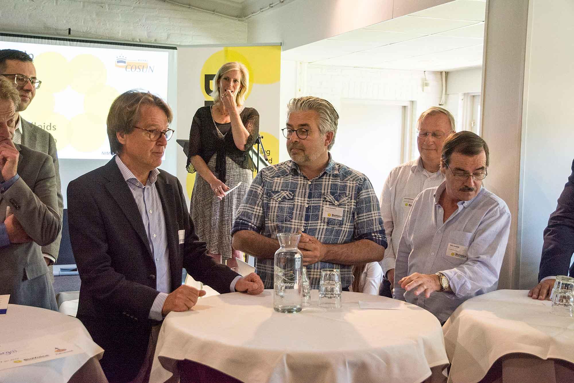 Ad de Laat (Cosun) met ondernemers BioVoice