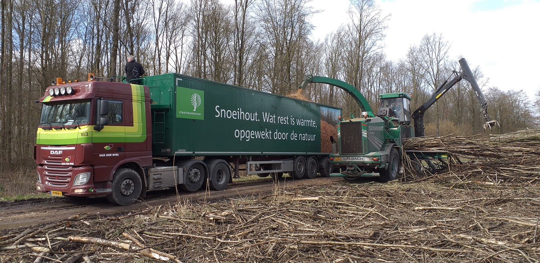 20190304 Chippen en transport van biomassa door Staatsbosbeheer