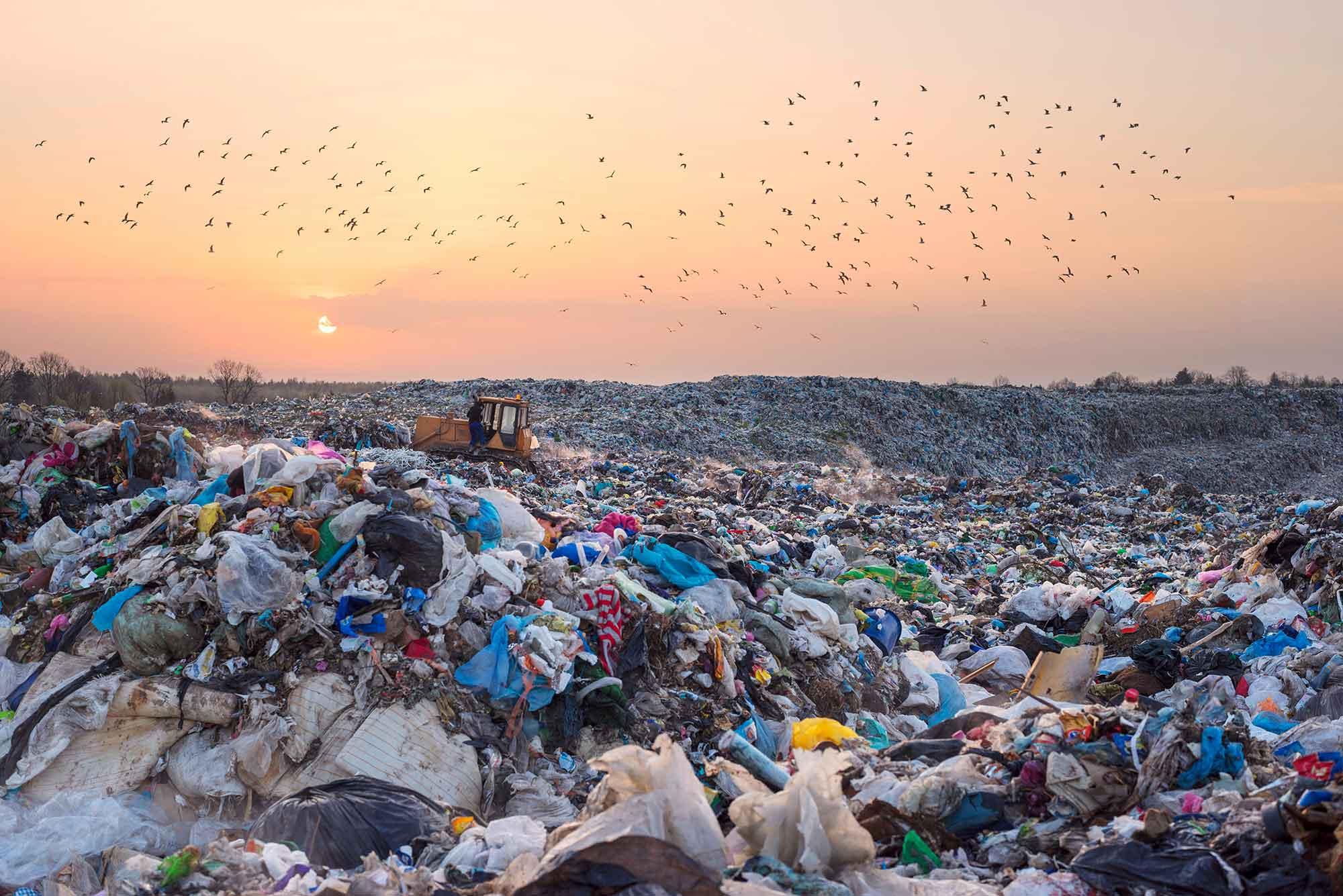 Stort met afvalplastics